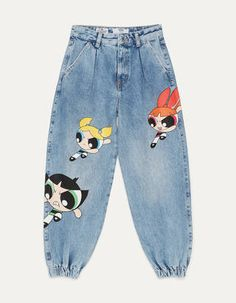 The Powerpuff Girls x Bershka balloon fit jeans. Discover this and many more items in Bershka with new products every week Painted Jeans, Painted Clothes, Diy Clothing, Custom Clothes, Tie Dye T Shirts, Tie Dye Jeans, Cool Outfits, Fashion Outfits, Powerpuff Girls