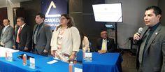 <p>Juárez, Chih.- El Comisionado Estatal de Seguridad, Óscar Alberto Aparicio Avendaño asistió a la toma de protesta de la Asociación