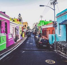 Explore the land of unconventional beauty which brings you the best of the world at one spot. Read on for best places to visit in Cape Town, SA. Cape Town South Africa, Worlds Of Fun, Amazing Destinations, Cool Places To Visit, The Good Place, Street View, Earth, Explore, Vacation