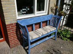 Bankje maken van oude stoelen
