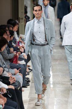 Giorgio Armani Resort 2020 Fashion Show - Vogue Giorgio Armani, Armani Men, Emporio Armani, 2020 Fashion Trends, Fashion 2020, Fashion Show, Vogue Paris, Versace, Vogue Men