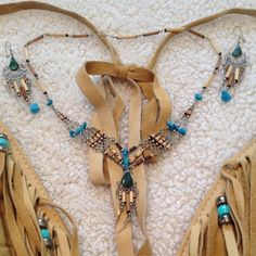 Boho Necklace & Earrings Stunning Boho Necklace & Earring Set. Jewelry Necklaces