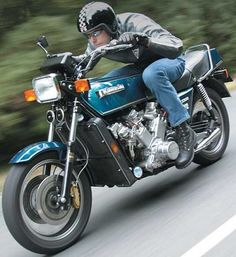 One-Off Kawasaki KZ 2200 V8. Wow!! I'm sure this was a beast, and probably still is..even by today's standards.