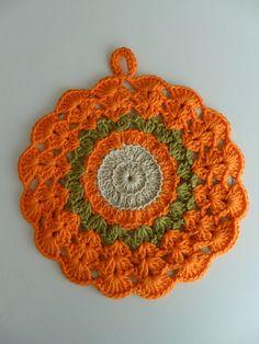 "Ravelry: Potholder crochet ""Orange"" pattern by Angèle Lumière Vintage Potholders, Crochet Potholders, Crochet Hot Pads, Crochet Fall, Crochet Kitchen, Orange Pattern, Cascade Yarn, Knit Picks, Beauty And The Beast"