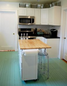 Painted Floors- Cool Tricks for Painted Wood Floors Kitchen Island With Sink, Above Kitchen Cabinets, Painting Kitchen Cabinets, Kitchen Paint, Wood Floor Kitchen, Kitchen Flooring, New Kitchen, Kitchen Ideas, Kitchen Small