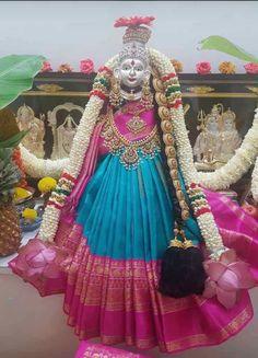 Diwali Decorations, Festival Decorations, Diwali Pooja, Alpona Design, Rangoli Designs Flower, Pooja Room Door Design, Puja Room, Blouse Designs Silk, Goddess Lakshmi