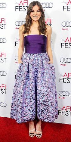Hailee Steinfeld  http://www.fashion-mommy.com/2014/12/17/christmas-fashion-inspiration-from-the-celebs/