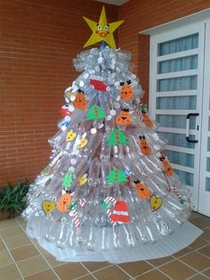 creative xmas tree made of empty plastic bottles diy recycling ideas