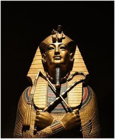 1923 King Tut's tomb unsealed in Egypt. British archaeologist Howard Carter unseals a doorway at the back of a tomb buried under the sands of Thebes, Egypt, and after more than 3,000 years, the pharaoh Tutankhamun has a visitor.
