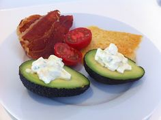 LCHF-HVERDAG: LCHF-æggesalat i avokado-skål #lchf