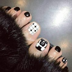 Sometimes fabulous nails are exactly that one last thing missing on the way to the creation of the unique look. Check out our ideas for your toes! Pretty Toe Nails, Cute Toe Nails, Cute Toes, Toe Nail Art, Pretty Toes, Creative Nail Designs, Pretty Nail Designs, Toe Nail Designs, Nails Design