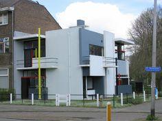 La casa Rietveld Schröder (en holandés: Rietveld Schröderhuis) (también conocida como la Casa Schröder) situada en Utrecht (Países Bajos) fue construida en 1924 por el arquitecto holandés Gerrit Rietveld en colaboración con la Sra. Truus Schröder-Schrader, quien encargó el proyecto para lo que fue su residencia