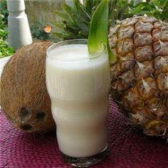 Pour 1 personnes :  Pour 1 verre :  5 cl de rhum blanc  10 cl de jus d'ananas  4 cl de crème de noix de coco  5 glaçons