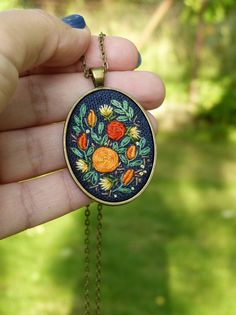Embroidered gold roses necklace Retro by EmbroideredJewerly