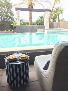 It's nice to relax by the pool, but it's even better to have a tasty snack at your side :)