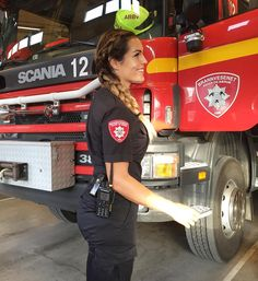 Norwegian Female Firefighter Lifts Trucks and Charms With Her Beauty (PHOTOS)