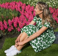 Kate Spade Crop Top and Flare Skirt in the Keukenhof Gardens - MEMORANDUM, formerly The Classy Cubicle // Powered by chloédigital