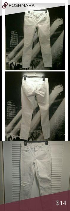 GAP 1969 - White Denim Gap white straight leg denim jeans - perfect summer stable to have in your closet. Good conditon. GAP Jeans Straight Leg