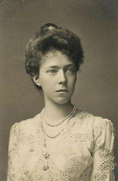 Duchesse Elisabeth en Bavière (1876-1965) fille du duc Charles-Théodore et de l'infante Marie-Josèphe de Portugal