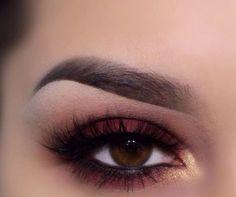marsala und Gold smokey eyes