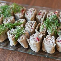 Tonnikala-rieskarullat I Love Food, A Food, Good Food, Food And Drink, Yummy Food, Savory Pastry, Savoury Baking, Cocktail Party Food, Cheese Appetizers