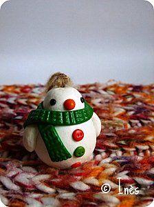 The Christmas team : handmade polymer snowman, reindeer, Santa Claus, goblin and penguin Christmas tree decorations. Cute for kids ! // Décorations de Noël pour le sapin faites main en fimo : l'équipe du Père Noël au complet (bonhomme de neige, renne, lutin et pingouin) pour faire plaisir à vos enfants ! // On sale at  / A vendre sur : http://scrap-ines.over-blog.com/article-christmas-team-gourmandises-de-noel-collection-noel-2012-112952898.html