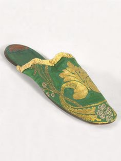 Silk damask boudoir slippers, brocaded with metallic gold and silver, c.1830.
