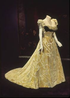 Bertha Palmer's evening gown, 1900. Silk satin with cut velvet, ribbon, rhinestone trim. Worth, Paris.
