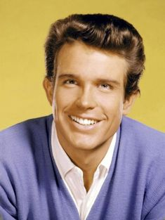 Born 1937 in Richmond, Virginia, American actor and filmmaker Warren Beatty started his career making appearances on television shows in Young Warren Beatty, Splendour In The Grass, Best Director, Hooray For Hollywood, New Star, Jack Nicholson, Best Actor, American Actors, Actor