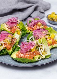 Laxtataki med mango- och chilidipp i gemsallad Baby Food Recipes, Cooking Recipes, Healthy Recipes, Clean Eating, Healthy Eating, Good Food, Yummy Food, Edible Food, Summer Recipes