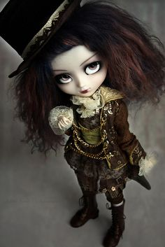 Steampunk pullip #doll this is the kind of fall my daughter will play with.