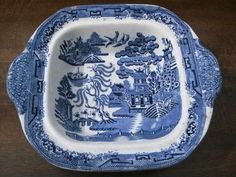 Antique Vintage Blue Willow Square Dish/Bowl by OldEnglishMilly, Blue Willow China, Blue And White China, Love Blue, Antique Dishes, Vintage Dishes, Or Antique, Willow Pattern, Beautiful Bugs, White Dishes