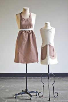 Mother and daughter apron set // IceMilk Aprons Cool Aprons, Linen Apron, Kids Apron, Aprons Vintage, Cool Kids, Kids Fun, Amazing Women, At Least, Daughter