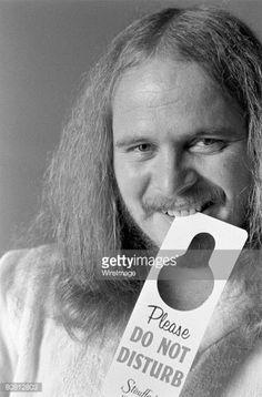 Ronnie Van Zant of Lynyrd Skynyrd, being interviewed on July 1976 at Stouffer's Hotel in Atlanta, GA. Steve Gaines, Gary Rossington, Lynard Skynard, Ronnie Van Zant, Southern Men, Van Zandt, 29 Years Old, Happy New, Rock Bands