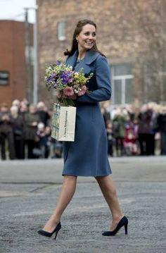 Duchess Catherine - dans le Staffordshire , le 18 Février 2015 _ Suite