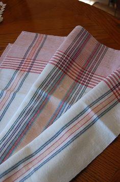Image associée Weaving Designs, Weaving Projects, Weaving Techniques, Towels, Hand Weaving, Projects To Try, Geometry, Stripes, Design Ideas