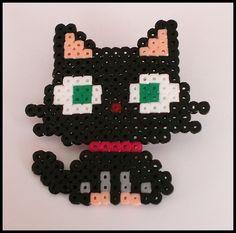 Gato hama by TodoHama Perler Beads, Perler Bead Art, Fuse Beads, Beads And Wire, Pixel Art, Nerd Crafts, Crafts To Do, Hama Beads Patterns, Beading Patterns