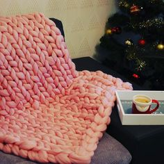 Dzień dobry Kochani 😘 My już po kawce 🙌  #koc #blanket #pled #wełna #wool #chunkyknit #cosy #warm  #Winter #zimowo #święta #Mikołaj #home #decor #homeandyou #home&you #coffetime #kidsroom #kidsfashion #kids #pepco