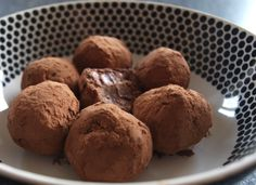 dukan chocolate truffles. Adapted from the Dukan Recipe Book ~ Makes approx. 8 truffles     4 tsp of low fat cocoa powder, and extra to roll the truffles in  1 tbsp of fat free fromage frais (or thick yogurt)  5 tbsp of powdered skim milk  2 egg yolks  5 drops of vanilla flavoring  3 tsp of sweetener (or to taste)*