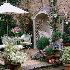 country garden 7 DIY vintage garden projects for holidays, . - country garden 7 DIY vintage garden projects for holidays, holidays - Diy Garden, Garden Cottage, Garden Care, Garden Projects, Garden Oasis, Garden Tips, Shade Garden, Potted Garden, Diy Projects