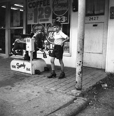 Vivian Maier, an American who shot photos between the 1950's and 1990's. Countless rolls of undeveloped film along with th…