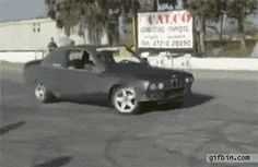 Drifting two cars at the same time