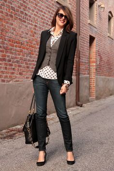 tweed vest black and white poka dot collared shirt black blazer skinny jeans and flats business casual
