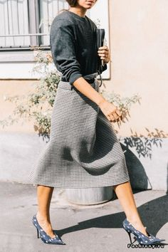 Full Midi Houndstooth Skirt | Wear to work, Street style, Women work outfit ideas, Women fashion, Office style