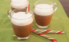 Epicure's Peppermint Hot Chocolate Kiss (using Epicure's Peppermint Hot Chocolate Mix) Green Tea Recipes, Iced Tea Recipes, Chocolate Liqueur, Hot Chocolate Mix, Easy Mocktail Recipes, Yummy Recipes, Recipies, Green Tea Cocktail, Epicure Recipes