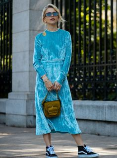 It's Baaack: 'Tis The Season For Street Style