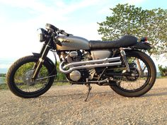 Modified 1972 Honda CB350 twin with CL350 high pipes