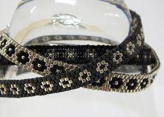 Ensemble de trois Mix and Match graine mince perles Peyote facilement Bracelets Black Silver Gray avec Fleur Floral Design OOAK bijoux