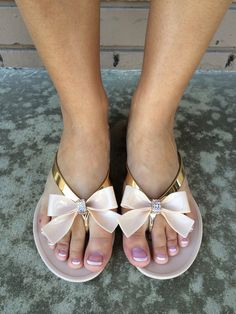 My pregnant feet need these.
