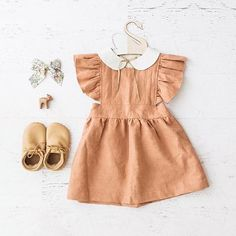 little girl outfit for pictures. peter pan collar from www.billybibs.com